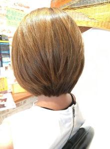 平塚の美容室Le'aのショートヘアの女性モデル